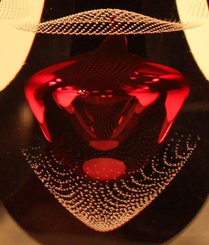 Black Ornaments Red Teggno