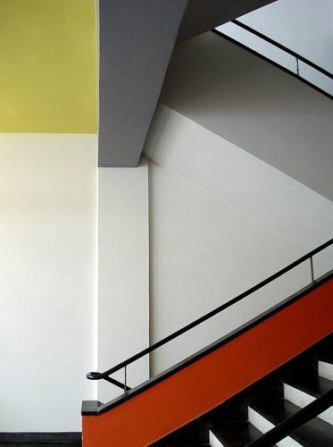 colour blocking Bauhaus style