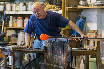 Murano glass artist